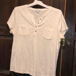 NWOT White Button Neck T-Shirt w/Pockets Size L